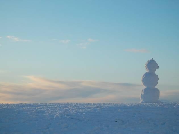 Snowman atop Arthur's Seat