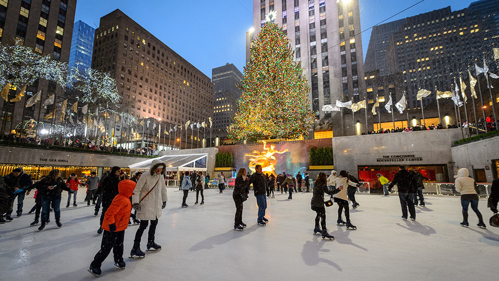 Best places to go ice skating in nyc including indoor rinks for Things to do in nyc during winter