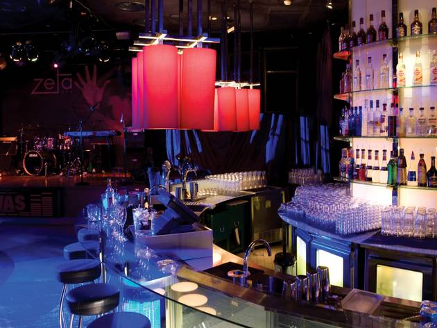 Black & White at Zeta Bar