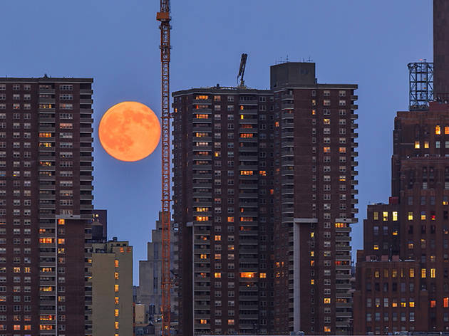 August 28, The Supermoon rises above Manhattan