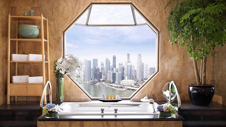 11 fanciest hotel bathtubs in Singapore