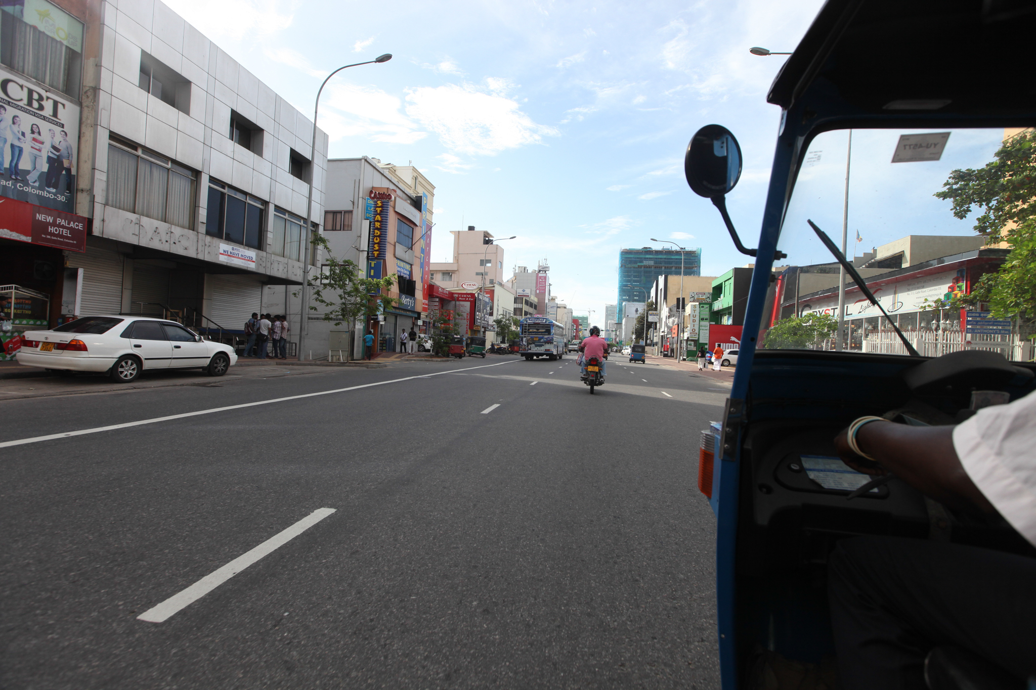 A 'tuk tuk' ride around Colombo