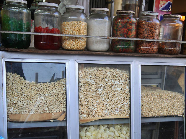 Fried Chickpeas and Funnel Treats is a popular street food in colombo