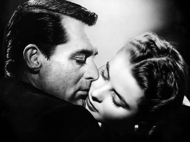 (Cary Grant et Ingrid Bergman dans 'Les Enchaînés' d'Alfred Hitchcock)