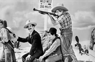 Los hermanos Marx en el Oeste + Y si no, nos enfadamos
