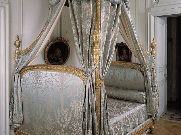 (Attribué à Georges Jacob, 'Lit à la Polonaise', c. 1785 / © Musée Cognacq-Jay / Roger-Viollet )