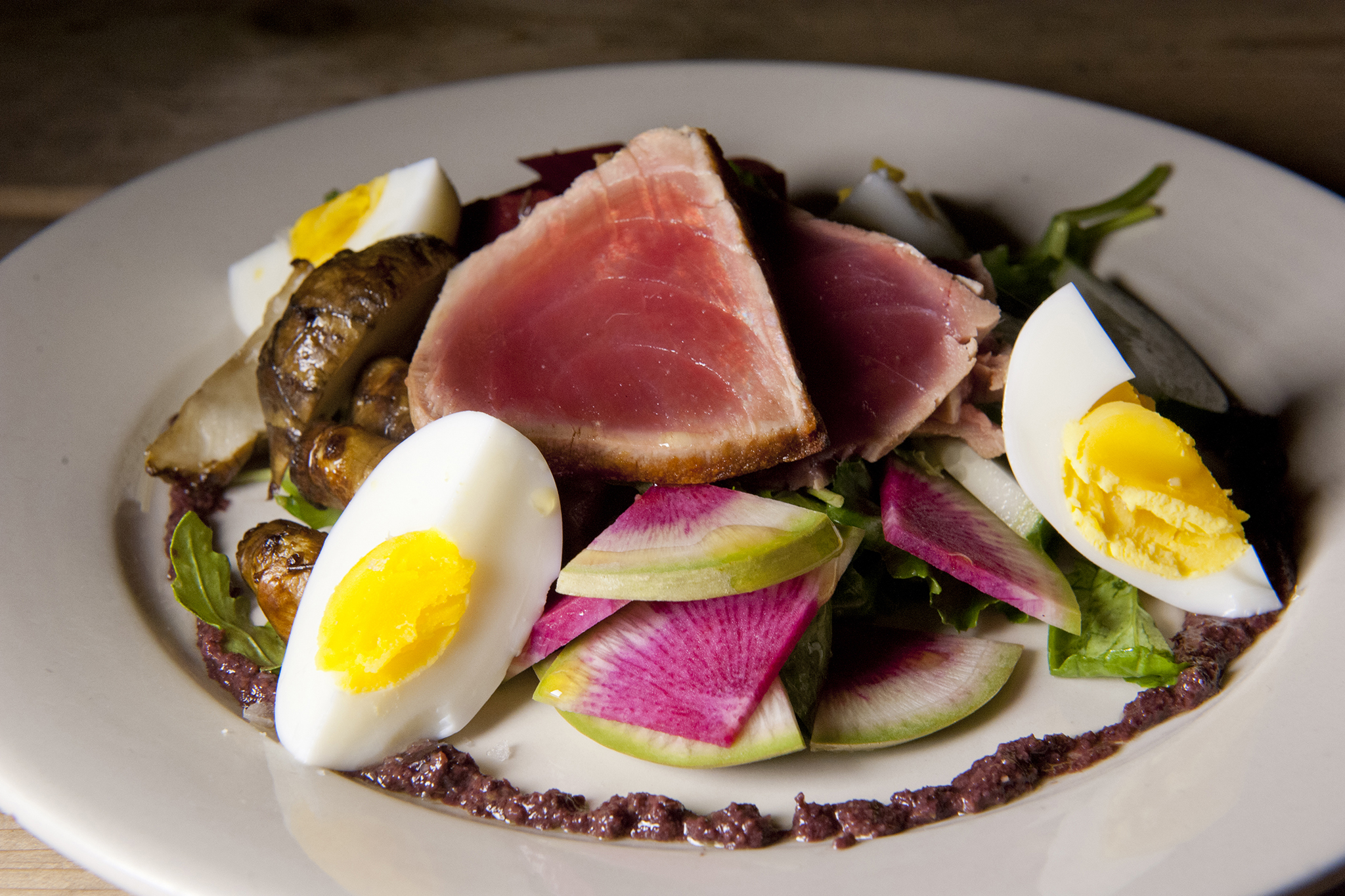 Seared tuna nicoise
