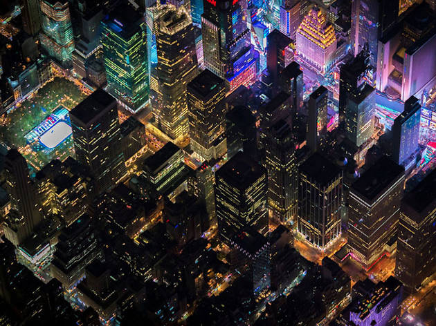 17 jaw-dropping nighttime photos of NYC taken from a chopper
