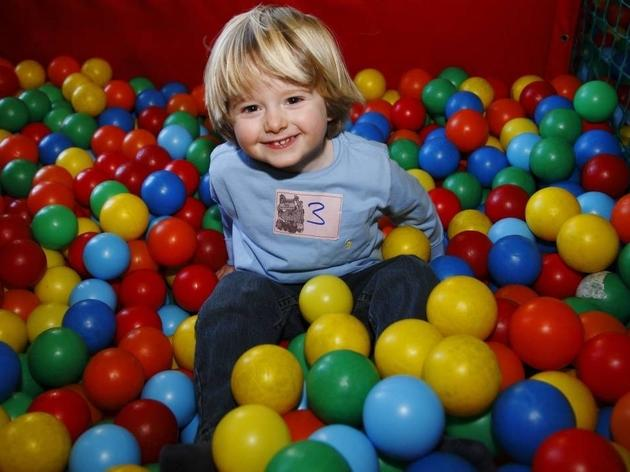 Indoor play centres in London