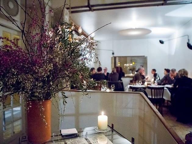 (© Roseval restaurant Paris)
