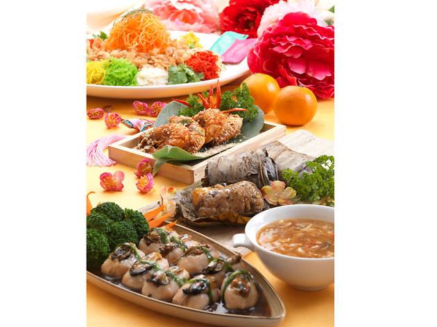 Cinnamon Coffee House Chinese New Year buffet