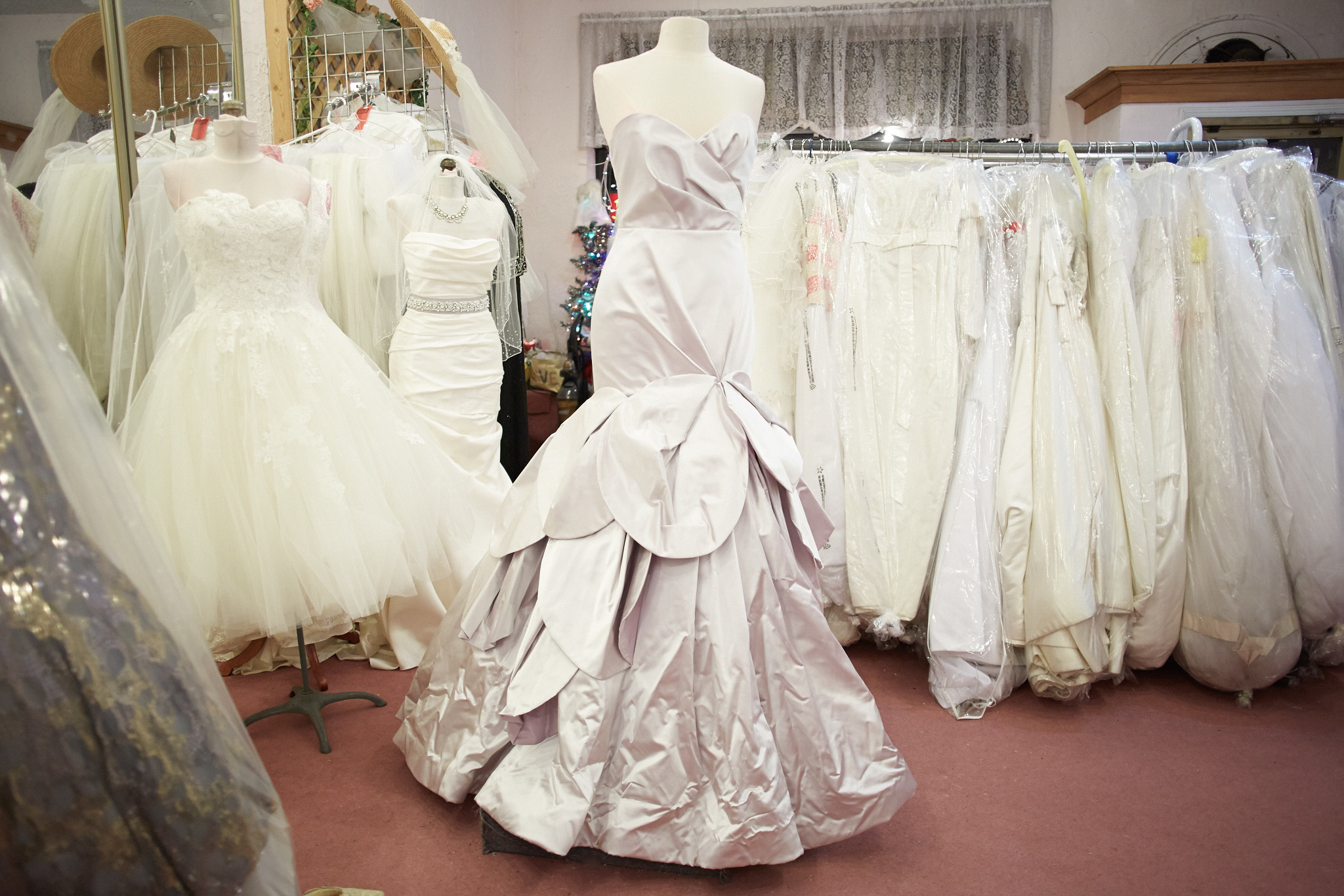 I Do Designer Bridal Consignment | Shopping in Dunning, Oak Park