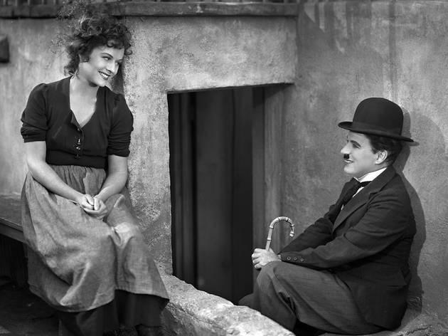 (Charlie Chaplin et Paulette Goddard)