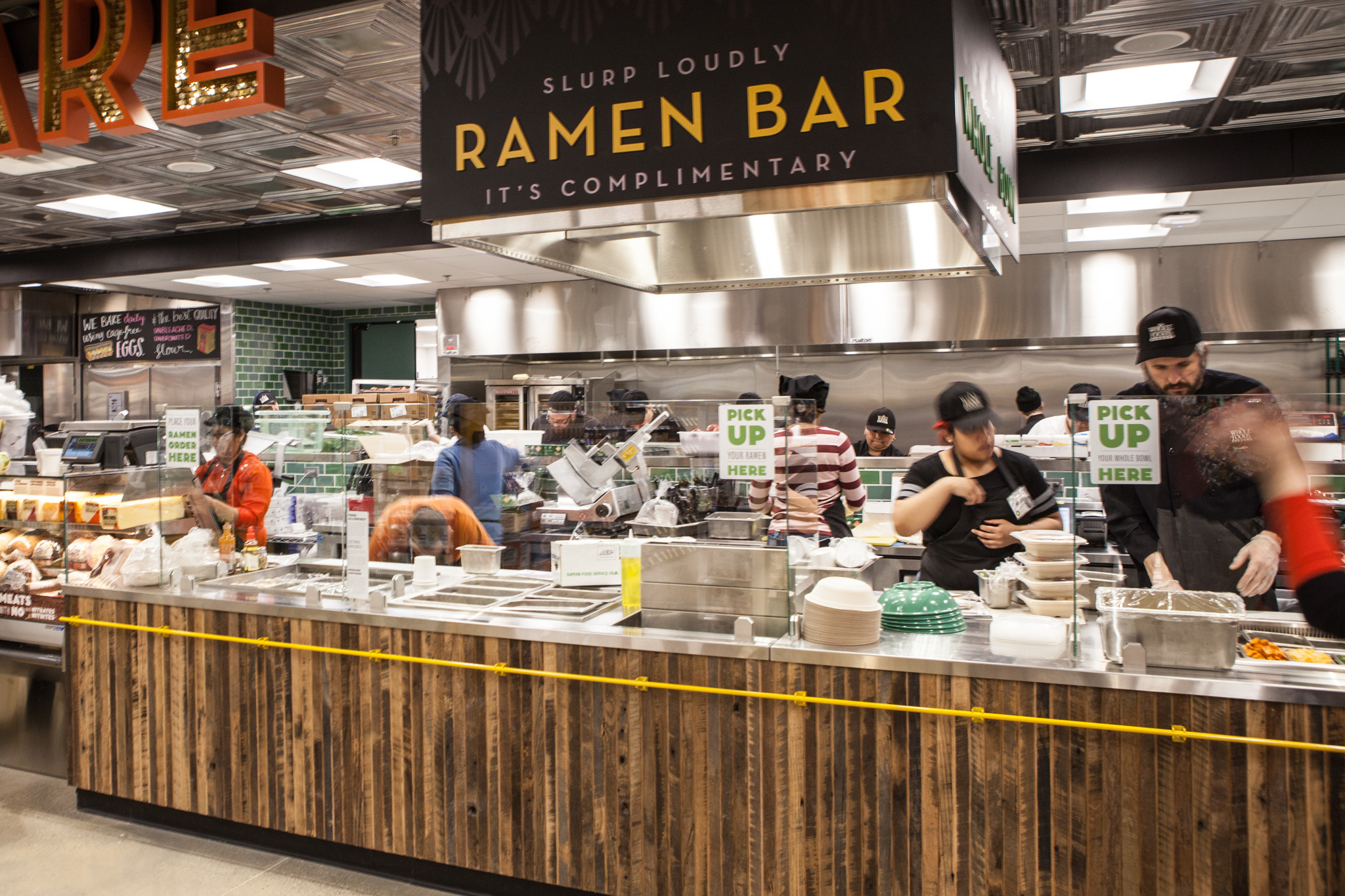 Whole foods streeterville opens with a ramen bar and for Organic food bar