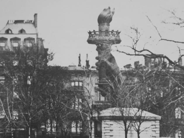 1876-1882, The hand and torch were placed in Madison Square Park to generate donations in order to complete the construction of the pedestal.