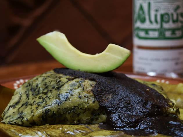 Tamal de hoja de chaya (Foto: Cortesía Corazón de Maguey)