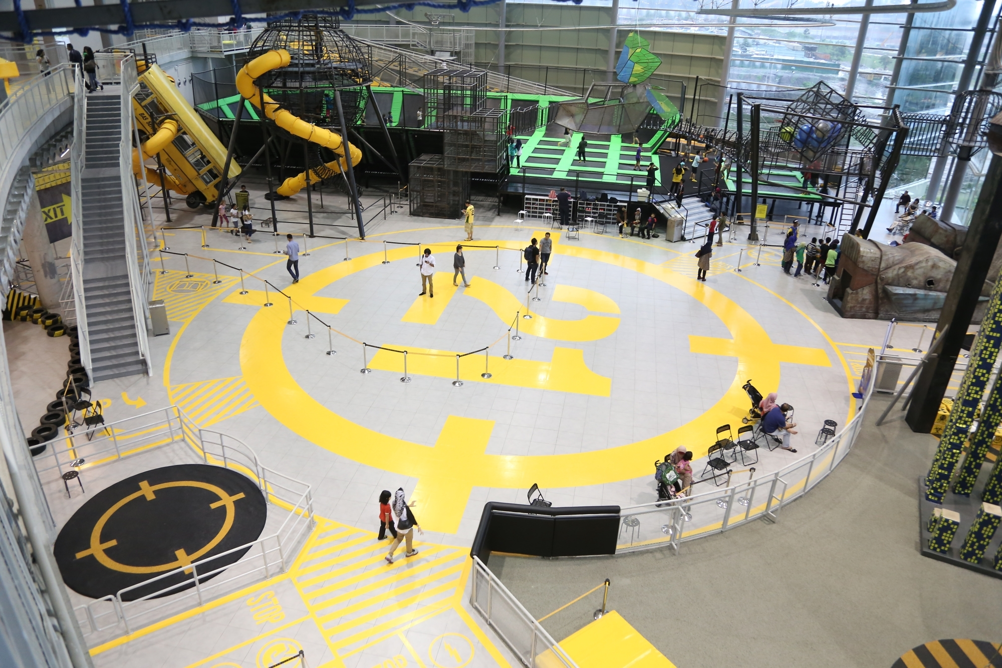 Participate in extreme indoor games at IOI City Mall