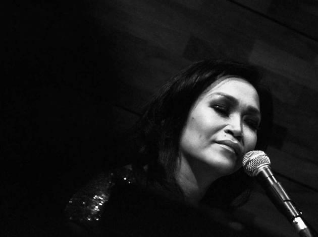 Rachel Guerzo live at Alexis Bistro