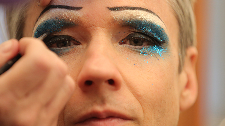 John Cameron Mitchell's makeover into Hedwig