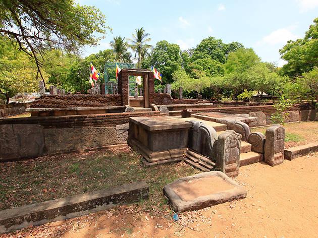 Seruvila Temple