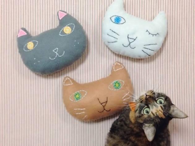 Cat Cushionista