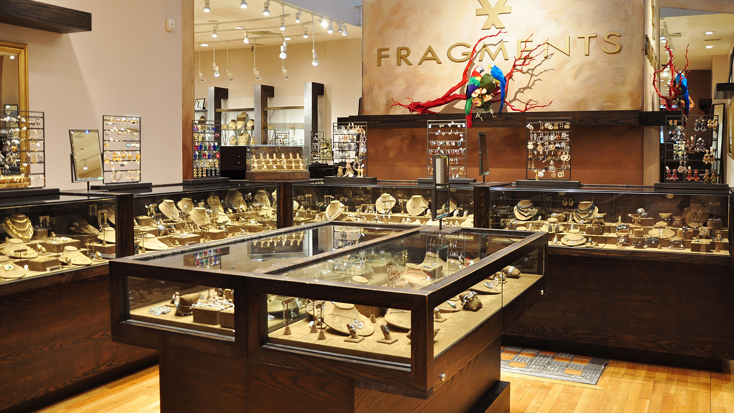 Jewelry stores in New York: Great necklaces, earrings and more