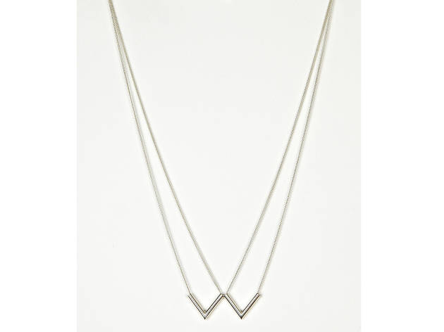 Two silver arrows necklace