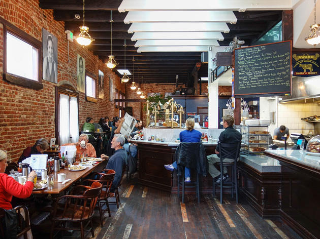 Dottie's True Blue Café