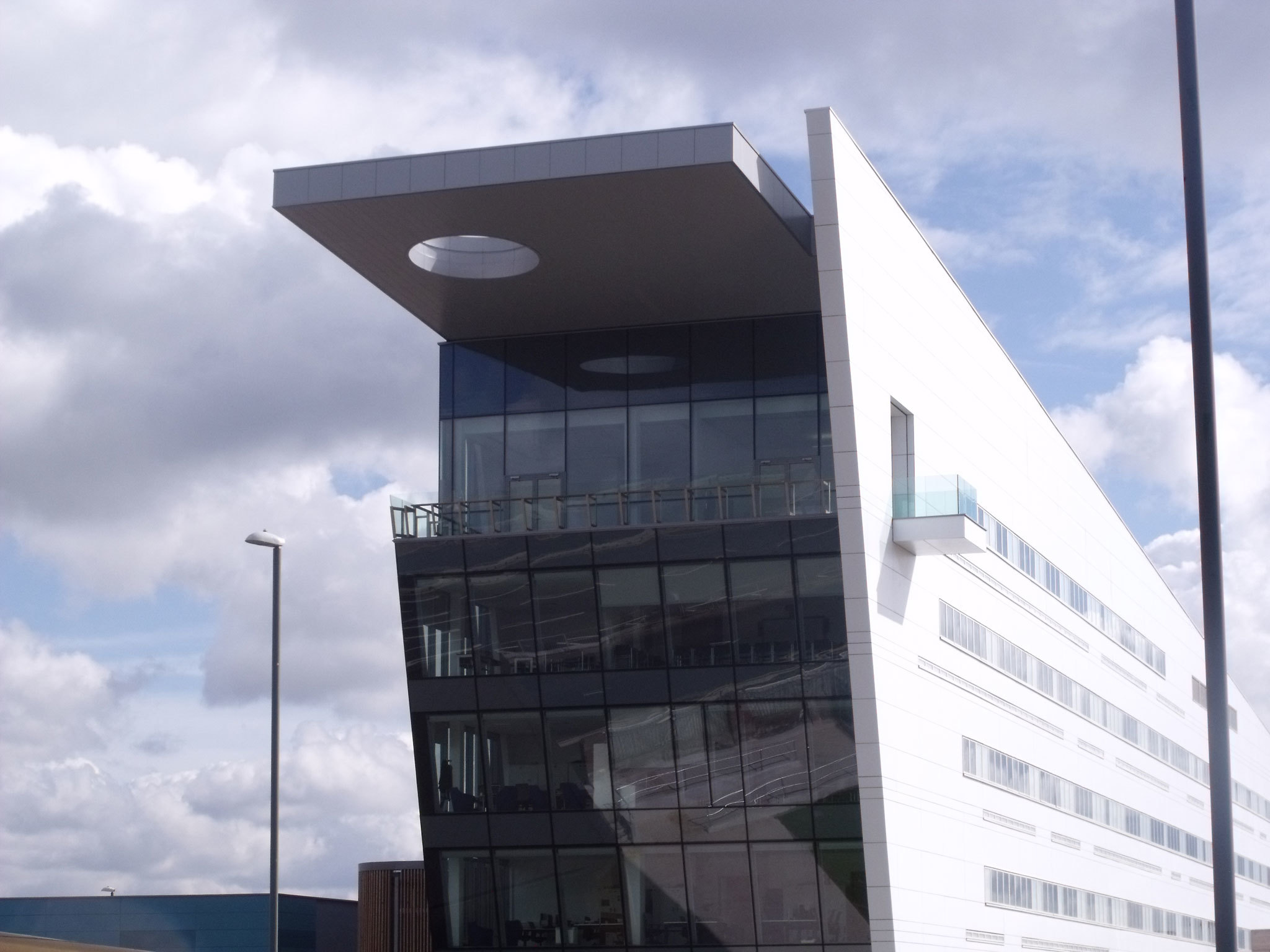 Photo of Bournville College in Birmingham