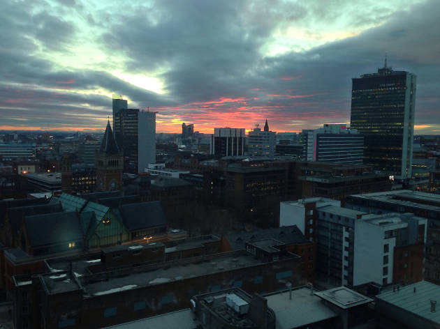 22 vibrant photos of Manchester at sunset and sunrise