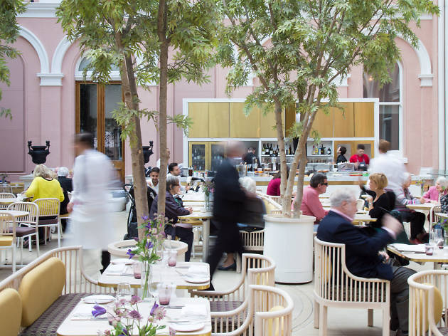 Wallace Collection courtyard restaurant