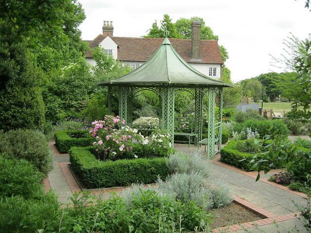 (Valence House Museum Herb garden)