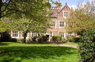 (Eastbury Manor House – The Walled Garden)