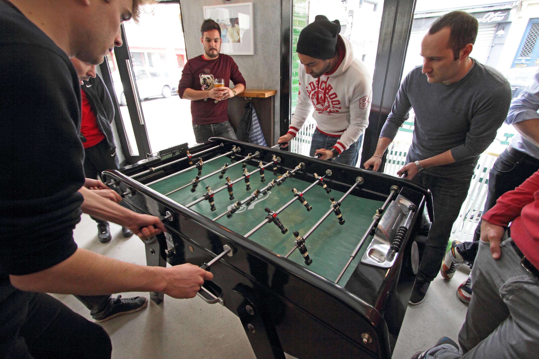 Les meilleurs bars à Paris pour jouer au baby-foot