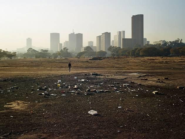 (Pieter Hugo, 'En périphérie de Pretoria', 2013 / © Pieter Hugo / Courtesy Galerie Stevenson, Le Cap/Johannesburg et Yossi Milo, New York)