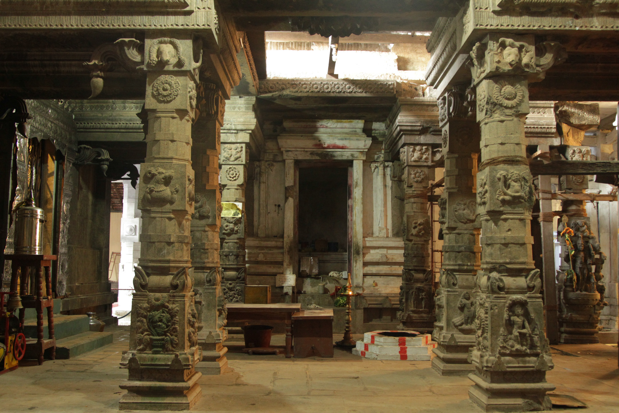 Maviddapuram Kandaswamy Kovil is a kovil in Jaffna