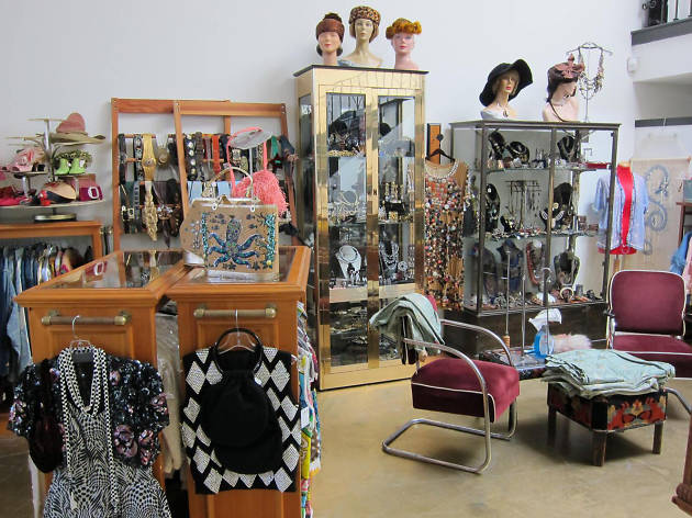 Golyester Vintage Clothing, one of LA's best vintage clothing stores.