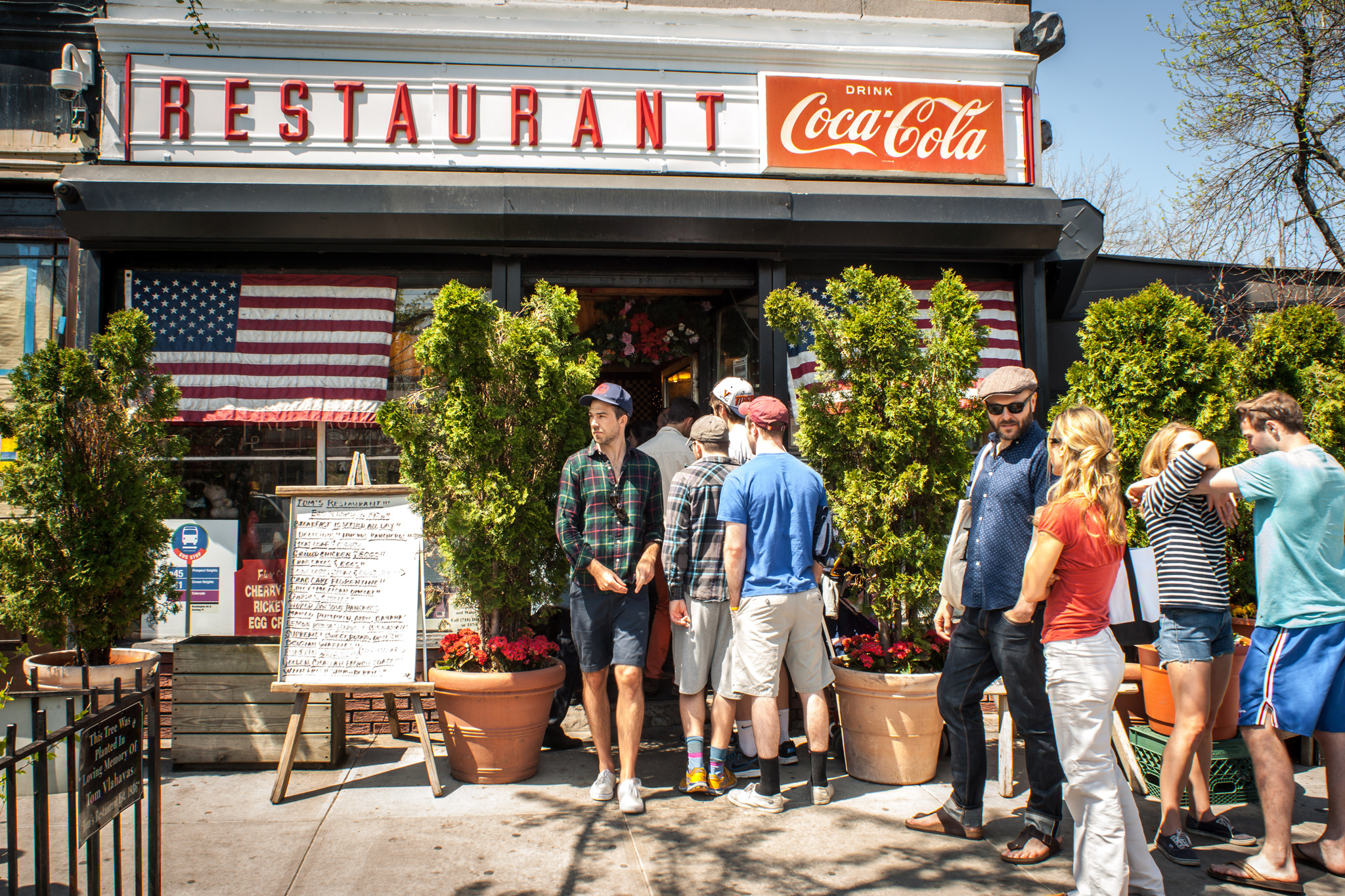 Dinner and drinks to premiere at Prospect Heights diner Tom's Restaurant