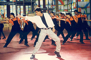 Shah Rukh Khan performs in one of the best Bollywood dance scenes of all time