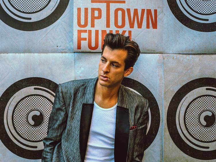 Mark Ronson featuring Bruno Mars – 'Uptown Funk'