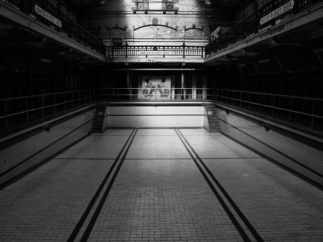 19 moody photos of Victoria Baths in Manchester