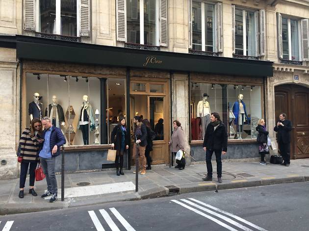 J Crew boutique Paris Marais shopping