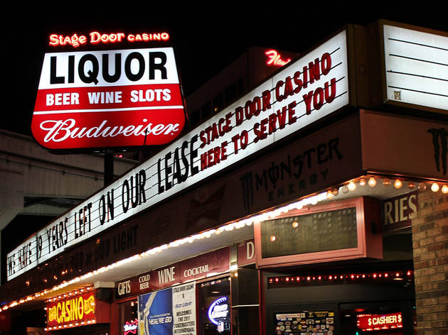 & Stage Door Casino | Bars in The Strip Las Vegas