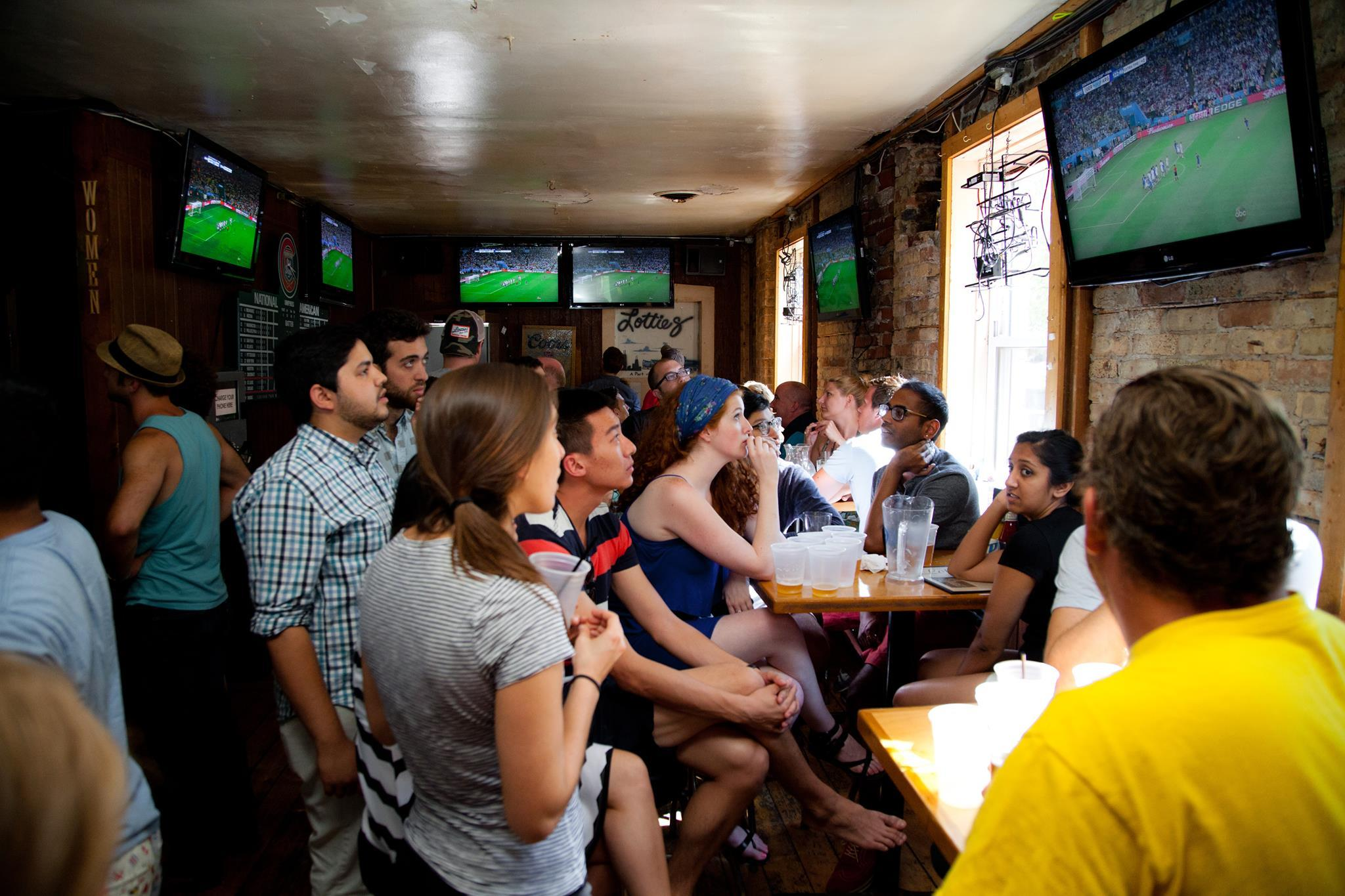 Five top bars for watching the rest of March Madness
