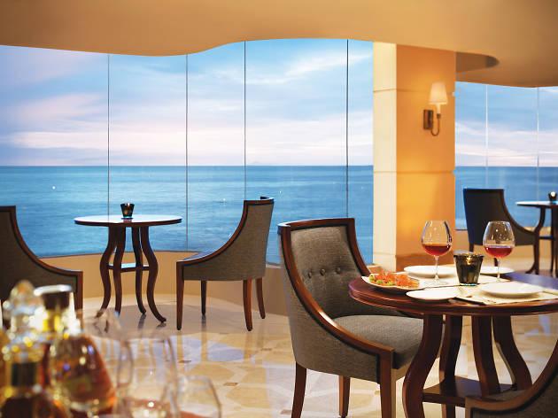 Taj Samudra Colombo is a hotel in Colombo