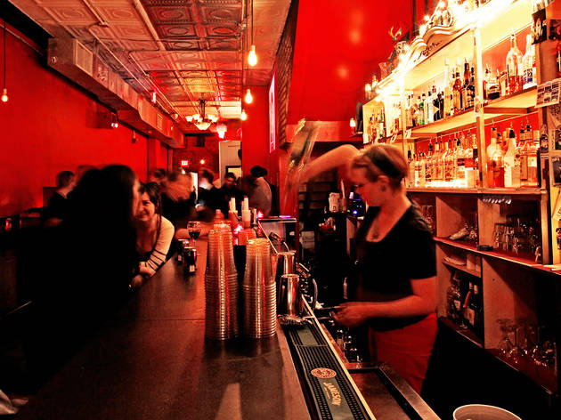 Fun dive bars to visit in DC