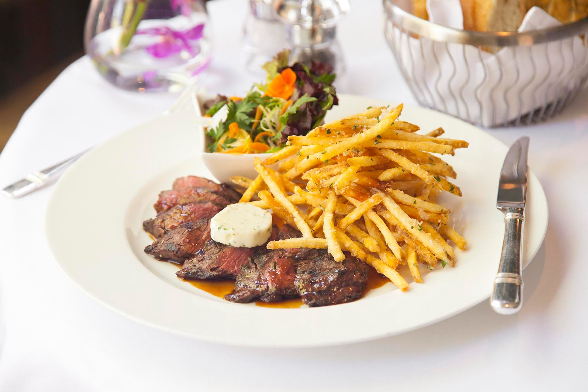 Steak frites at The Polo Lounge