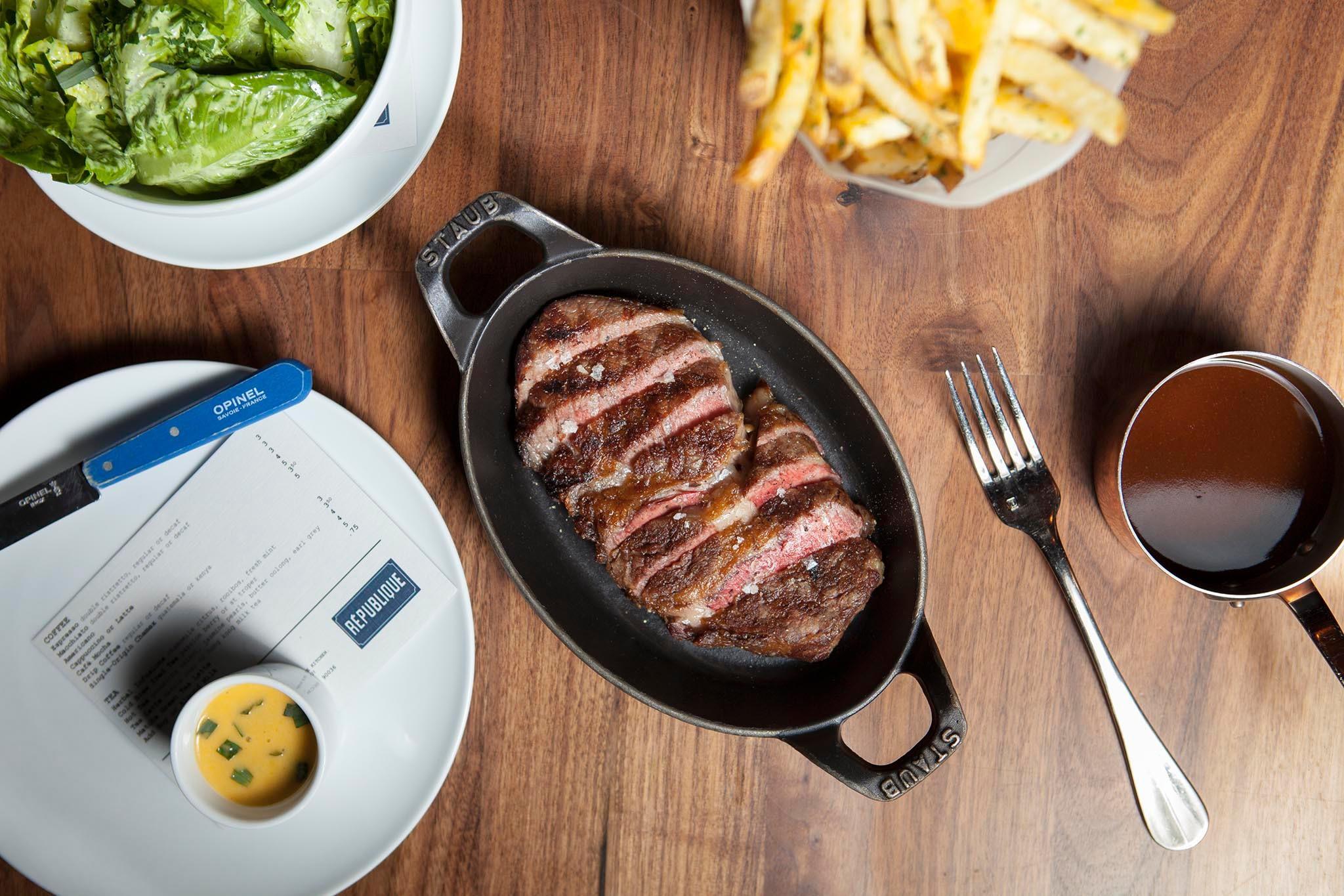 Steak frites at République