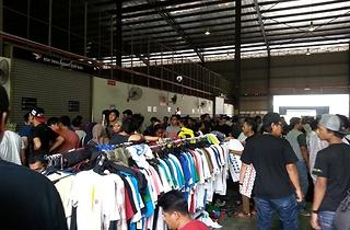 Vans and DC Shoes warehouse sale