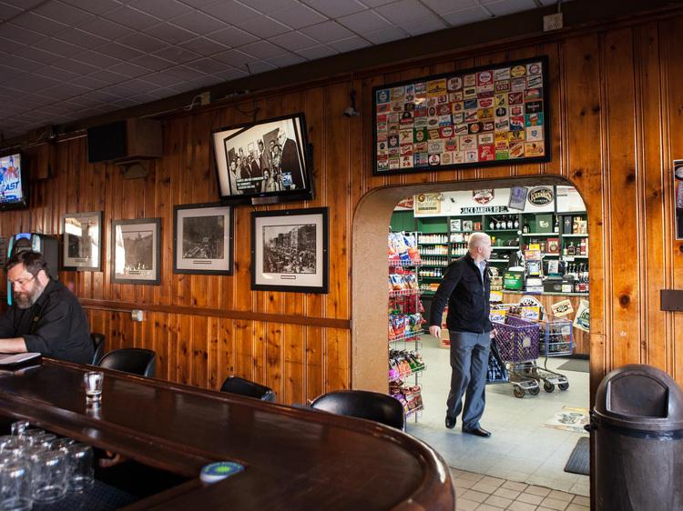 Fischman Liquors and Tavern